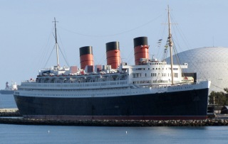 RMS_Queen_Mary_Long_Beach_January_2011_view